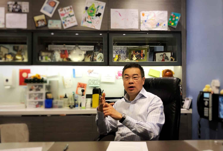 譚一翔醫生指政府和私家醫生兩者提供疫苗的出發點不同