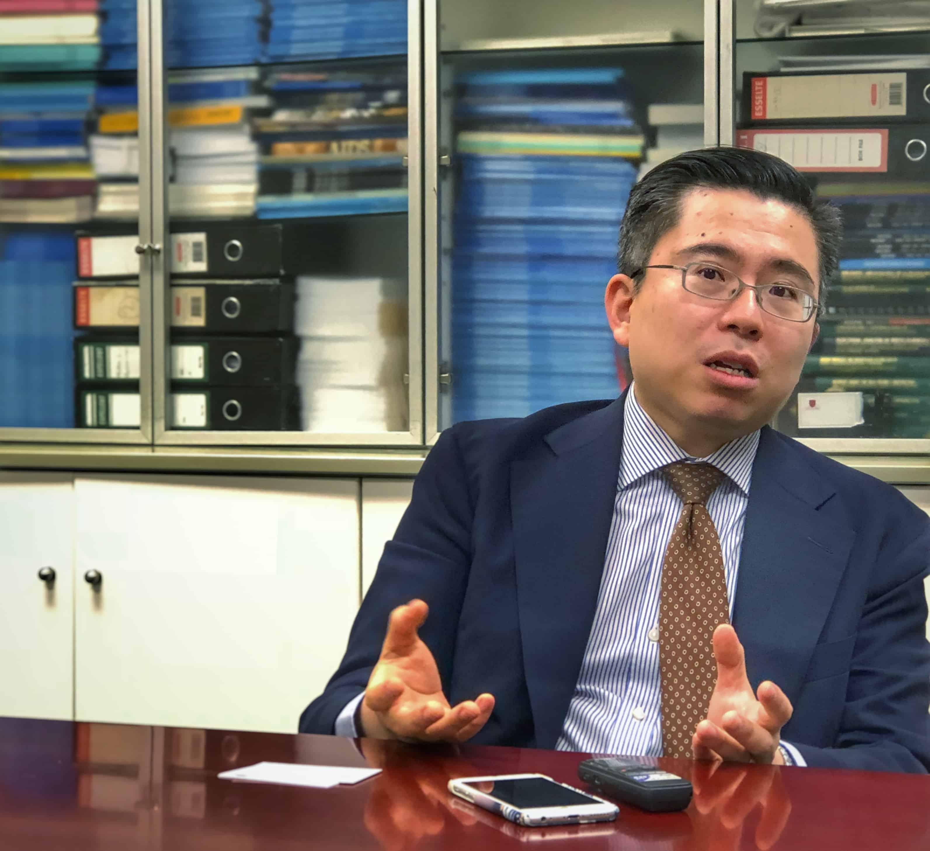 陳林醫生認爲香港的公營癌症服務不比外國遜息